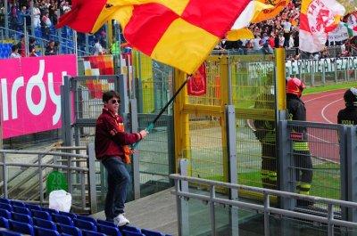 <p>Lorenzo Sprovieri,la nostra mascotte sbandieratore della tribuna tevere</p>
